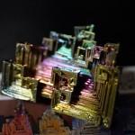 【極彩色のビスマス人工結晶】物撮りをするために探してたら見つけた83番目の元素